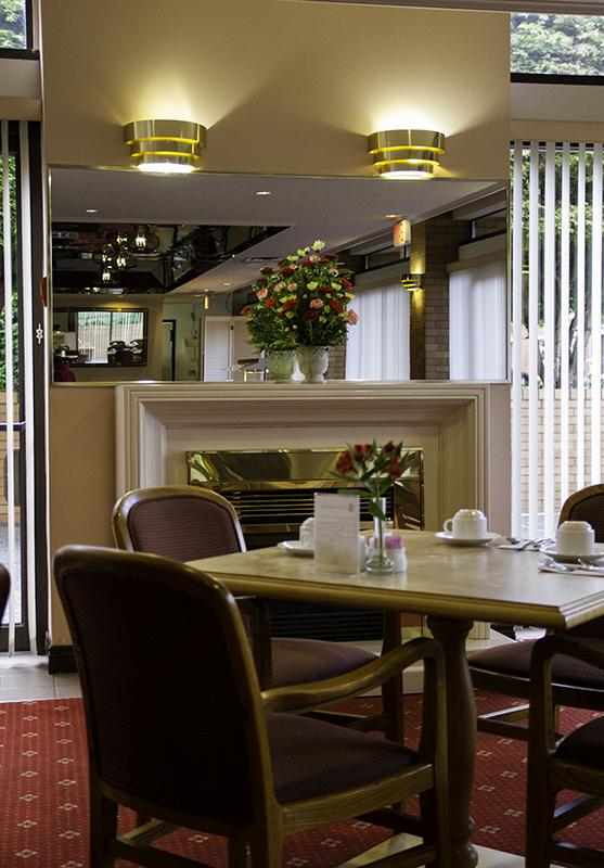 dining room at the Embassy Inn