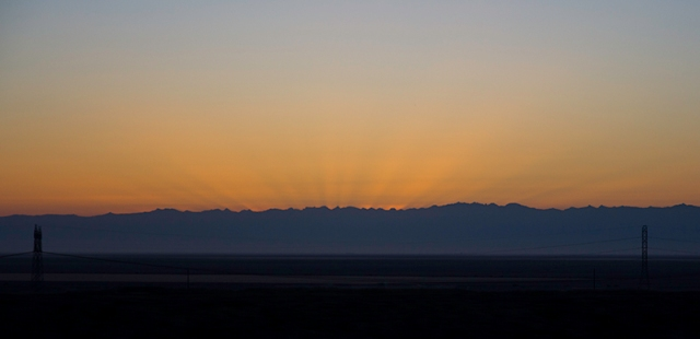 southern California sunrise over the mountains