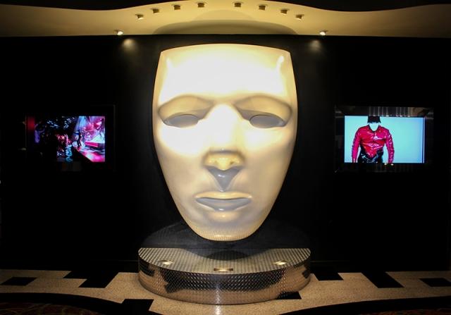 Jabbawockeez face and screens