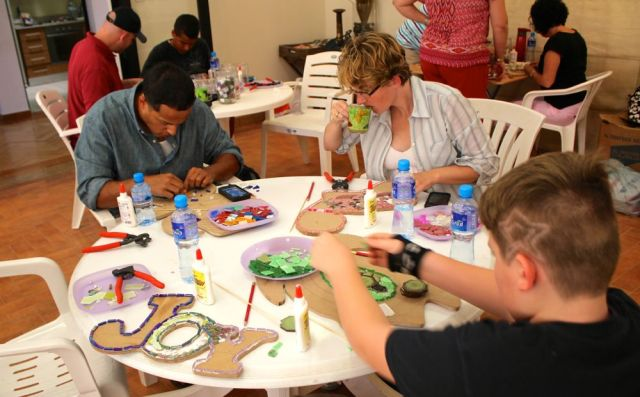 kids and adults finding inspiration to create