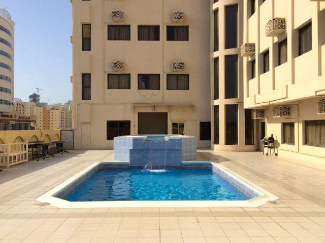 Almoayyed Plaza pool