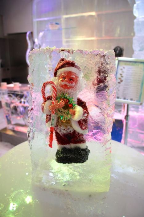 Santa frozen in Chill Out